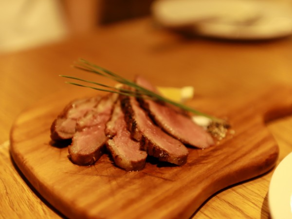 用賀倶楽部フランス産鴨ムネ肉のグリル