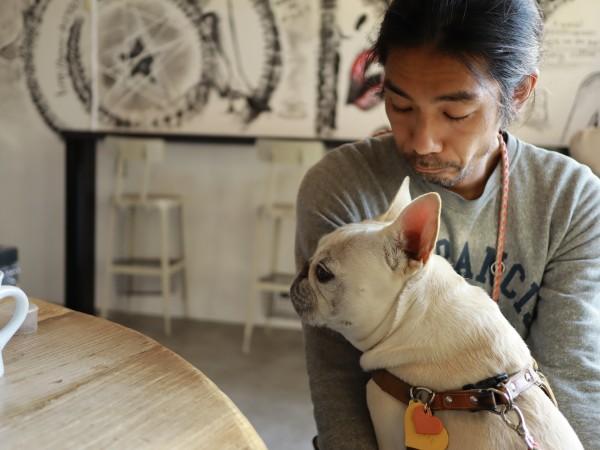 815 coffee stand犬とおじさん