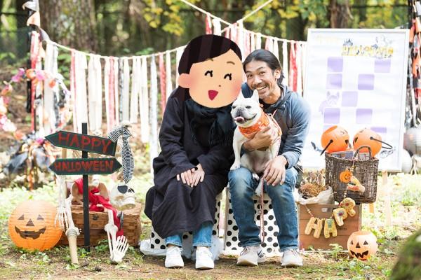犬の記念撮影:花カメラフレンチブルドッグこうめさん